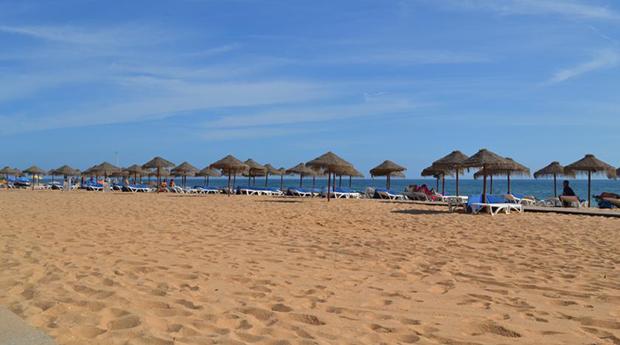Algarve, Quarteira Para Toda a Família -  2 Noites nos Apartamentos Atlântida até 4 Pessoas!