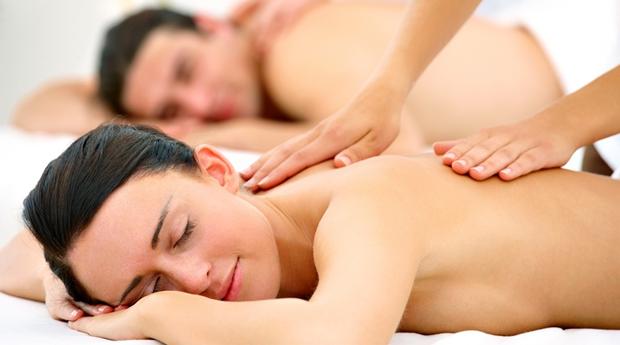 Massagem de Relaxamento e Mini Facial no Centro do Porto!