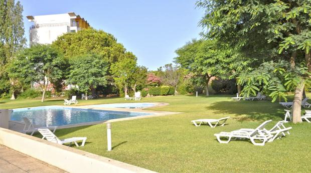Vilamoura, Algarve -  7 Noites em Apartamento T2 Até 5 Pessoas no Clube do Lago!