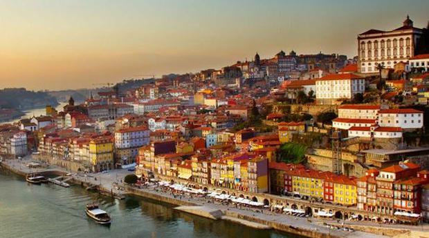 Porto Património Mundial -  2 Noites com Cruzeiro, City Tour e Visita às Caves em Hotel 4*!
