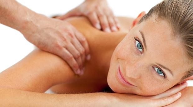 Limpeza Facial Completa com Massagem de Relaxamento e Aplicação de Verniz de Gel em Braga!