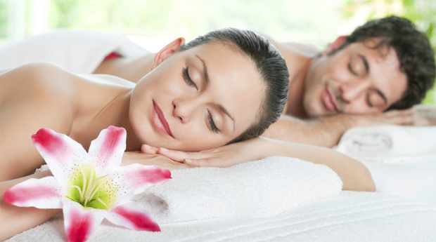 Massagem de Relaxamento para Casal com Champanhe e Bombons em Belas!