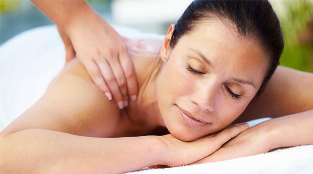Dia da Mãe com Massagem Corporal Relaxante e Spa Facial no Porto!