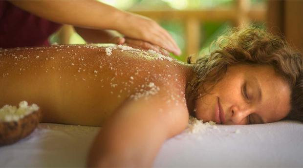 Dia Da Mãe com Massagem de Relaxamento com Esfoliação Corporal e Hidratação Profunda no Centro do Porto!