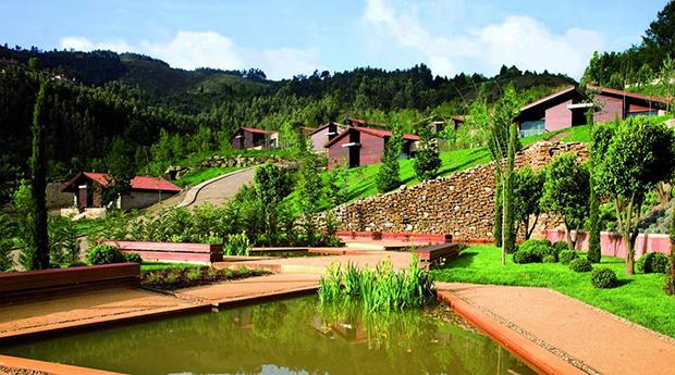 Gerês 5* - 1, 2 ou 3 Noites com Spa e Opção de Jantar no Aquafalls Nature Hotel