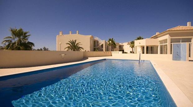 Algarve, Carvoeiro -  3 a 7 Noites na Quinta Polaris II em  Apartamento T2 ou T3 para 6 ou 8 Pessoas!