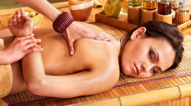 Especial Dia da Mãe Relaxante! Massagem Ayurvédica ou Shiatsu com Banho Turco e Spa Facial em Rio Tinto!