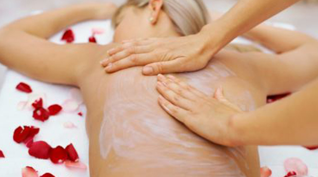 Puro Relaxamento Durante 45 Minutos! Massagem de Relaxamento com Esfoliação Corporal em Matosinhos!