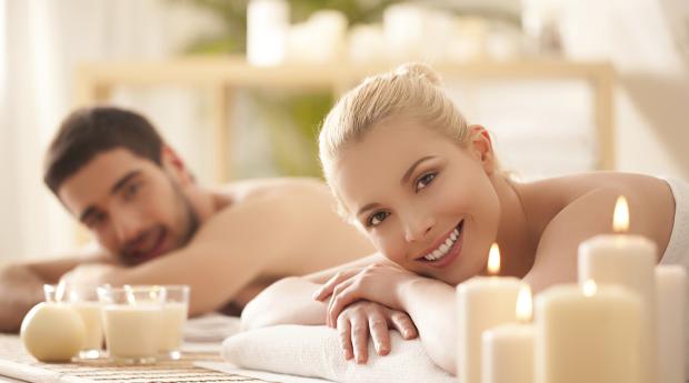 Momento de Romance! Massagem Corporal a 2 com Mini-Facial e Almofada Terapêutica na Boavista!