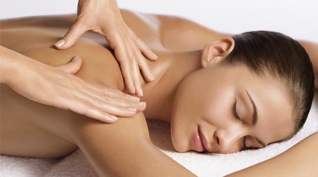 Massagem de Relaxamento com Tratamento Facial Reparador no Areeiro!