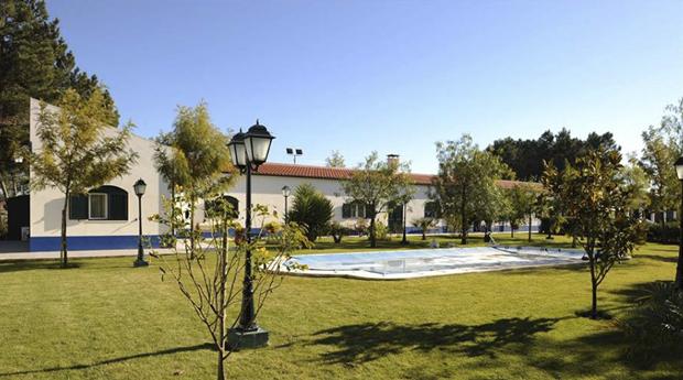 Dia Inesquecível no Campo com Almoço Completo e Piscina e Batismo a Cavalo no Montijo!