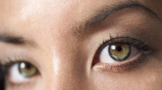 Adeus Olhos Cansados! 5 Sessões de Tratamento Contorno de Olhos para Iluminar o teu Rosto!