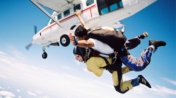 Pura Adrenalina! Salto Tandem a 3000 Metros no Aeródromo de Évora!