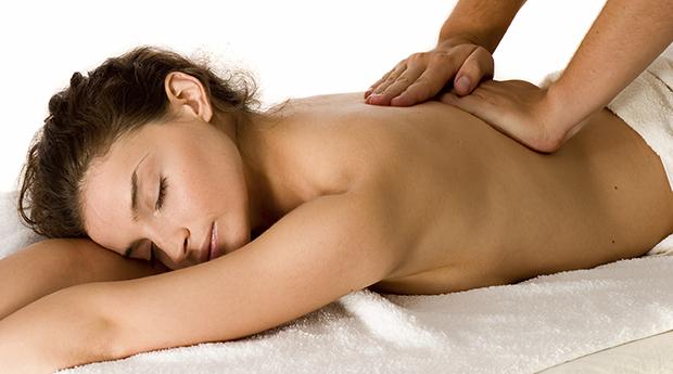 Massagem Super Relaxante às Costas com Oferta de Massagem à Cabeça!