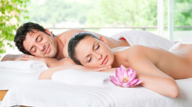 Massagem de Relaxamento para 1 ou 2 Pessoas em Belas ou Mem Martis! Esquece os Problemas Durante 40 minutos!